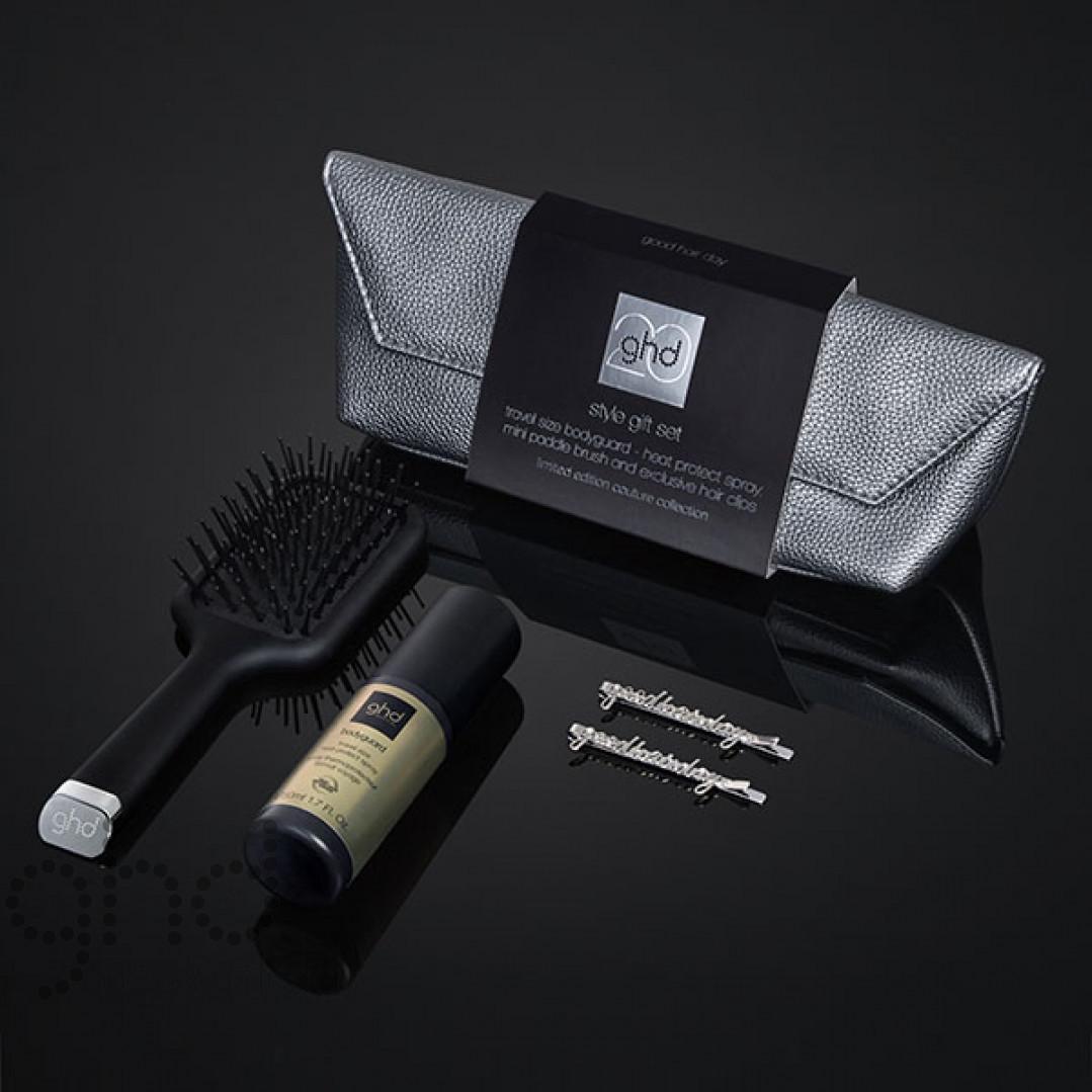 Подарочный стайлинг набор косметичка + мини-щетка + спрей и 2 заколки GHD 99350093869